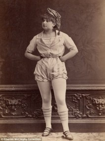 Vintage burlesque photos from the 1890s (8)