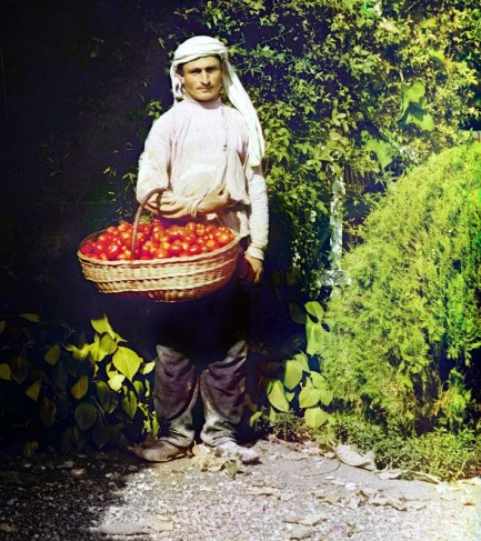 Rare Color Photos of People of the Russian Empire, ca. 1910s (9)