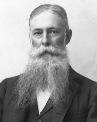 1-Sanford Ballard Dole (1900-1903)