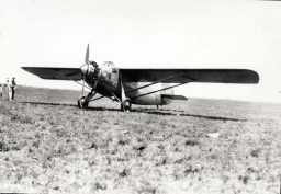 1927-8-17 Dole Derby 07 Woolaroc- finished first landing at Wheeler Field on August 17, 1927