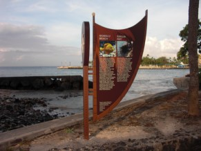 Alii Drive Interpretive Sign