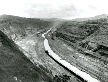 Before_Photograph_of_the_Panama_Canal-WC