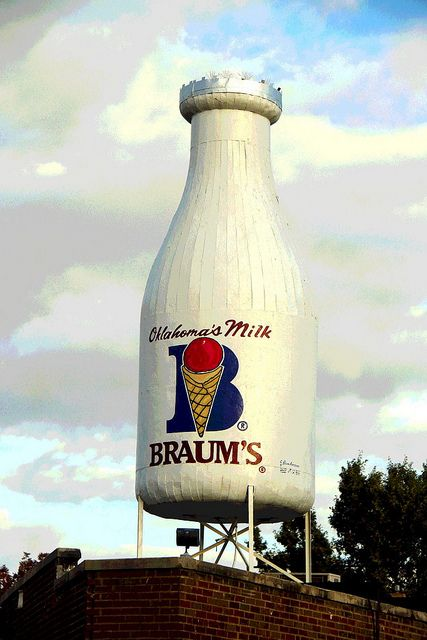 Braum's Giant Milk Bottle-Oklahoma City Oklahoma