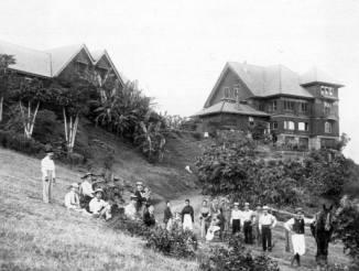 Castle's Manoa Home-PP-46-4-003-1886