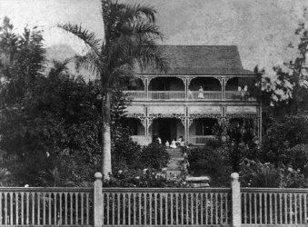 Chun Afong's house in Honolulu built in the Western and Chinese styles in the 1850s and torn down in 1902_(WC)