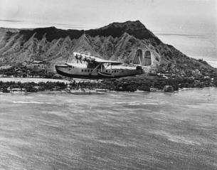 Clipper plane passes Diamond Head-1935