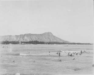 Diamond_Head-Surfers-1900