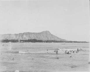 Diamond_Head-Surfers-1900