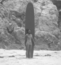 Duke_Kahanamoku_at_Log_Angeles-(WC)-1920