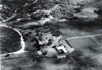 Existing_Mid-Pacific_Institute_overlooking_the_beginning_of_the_UH-Manoa_Campus-1912