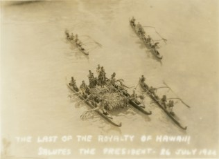 FDR in Hawaii-Greeted by Canoes