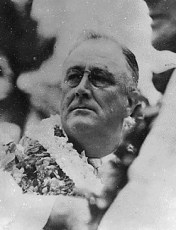 FDR in Hawaii_with-Lei
