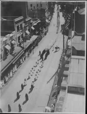 Funerals - Queen Liliuokalani - Procession, Nuuanu Avenue-PP-26-6-017