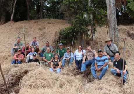 HFIA-tree-planting-at-Keauhou-BCS-group-3-1-2014-HFI