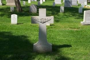 Harold Melville Clark gravestone