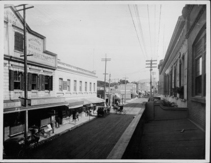 Hollister& Co-Fort St-Hotel crossing-PP-38-7-034-1904
