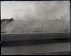 Honolulu_Chinatown_Fire_of_1900_(2),_photograph_by_Brother_Bertram