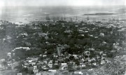 Honolulu_from_Punchbowl_1890