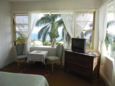 Hotel-Honokaa-Club-room