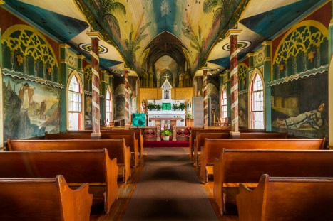 Inside_view_of_the_Painted_Church-WC