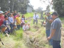 Iwi-and-Kirk-give-planting-demonstration-HFI