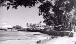 Kailua-Kona-pier in background