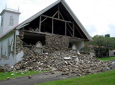 Kalahikiola_Church-damaged-USGS