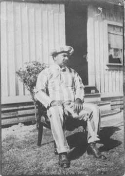 Kalanianaole, Jonah Kuhio, 1871-1922, in prison uniform (1895) PP-97-1-032