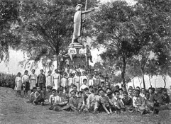 Kamehameha_statue_Kapaau_1908