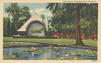 Kapiolani Bandstand-1926 construction (eBay)