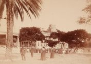 Kapiolani_and_Kalakaua_on_the_Iolani_Palace_grounds-1890