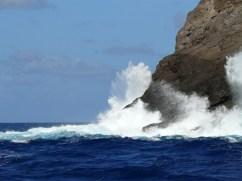 Kaula_Rock-surf-(summitpost)