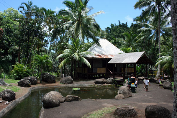 Kepaniwai Park and Heritage Gardens-Filipino