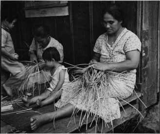 Lauhala weavers, Napoopoo, Hawaii-PP-33-6-003-1935