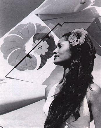 Leinaala_Teruya_Drummond-Pualani_model