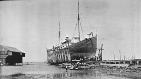 Lyle and Sorenson's 'Marine Railway'-north_end_of_Kakaako-1885