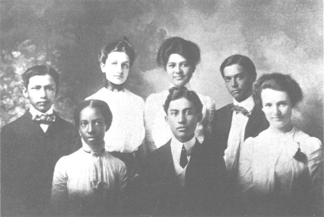 Oahu_College-1902-front (L-R) Carlotta Stewart, William Heen, Mary Paty; Ed Young, Charlotte Dodge, Harriet Hapai, George Hapai-(Punahou)