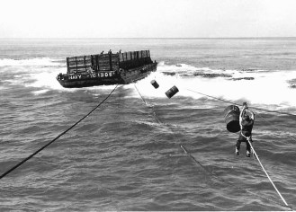 Quartette The loaded barge aground on Pearl and Hermes Reef