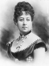 Queen_Emma_of_Hawaii,_retouched_photo_by_J._J._Williams