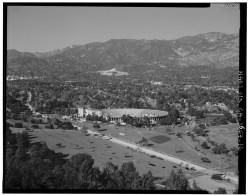 Rose_Bowl_Stadium,_1001_Rose_Bowl_Drive,_Pasadena,_Los_Angeles_C