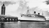 SS_Lurline_at_Honululu_in_the_1930s