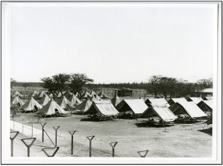 Sand_Island-camp