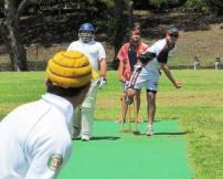 Souths_bowling_to_Scots-(honolulucricketclub-org)