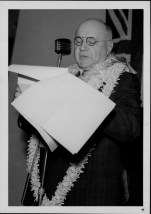 Stainback, Ingram M., Governor of Hawaii, 1883-1961 - restoration of civil authority-March 10, 1943-PP-36-12-004