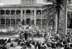 Statehood-celebration-Iolani_Palace-(HSA)