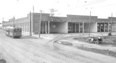 Streetcar_barn--Mission_Cliffs_Gardens_on_Adams_Avenue_circa_1915
