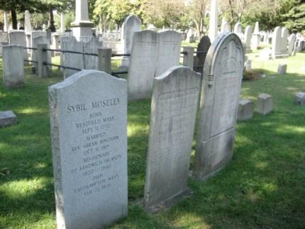 Sybil Bingham-Naomi Bingham - Hiram Bingham headstones