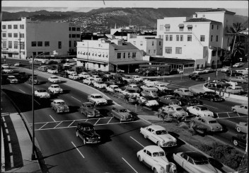 Traffic on the Makai Arterial at Bethel St-PP-39-7-045-1955