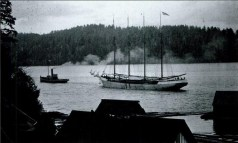 Tug_Tows_Churchill_Loaded_with_Lumber for Australia-NorthBend