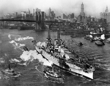 USS_Arizona_in_New_York_City
